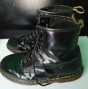 Black Dr. Martens boots men's 8